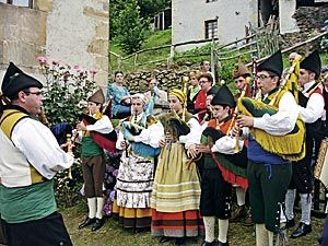 XIII Fiesta de la Oficialidá de la Llingua Asturiana