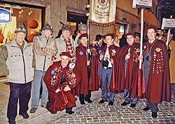 Miembros de la Cofradía del Vino de Cangas en el Congreso Internacional de Cofradías en Trento (Italia)