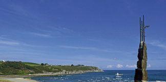 Playa de Navia, vista desde el Monumento al Emigrante