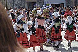 Danza Prima, que se baila tras la Procesión de Ntra. Sra. de la Barca.
