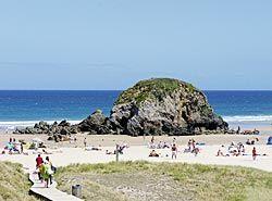 Playa de Penarronda, en los concejos de Castropol y Tapia