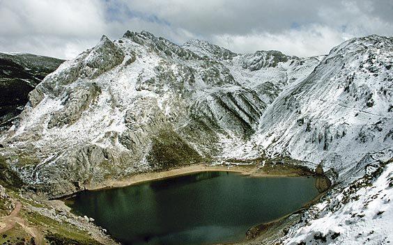 Lago La Cueva. Somiedo
