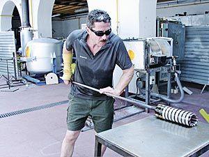 Luis Suárez Parades, artista del vidrio