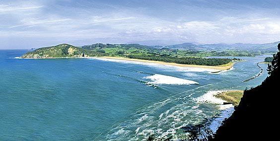 Panorámica de la playa de Rodiles