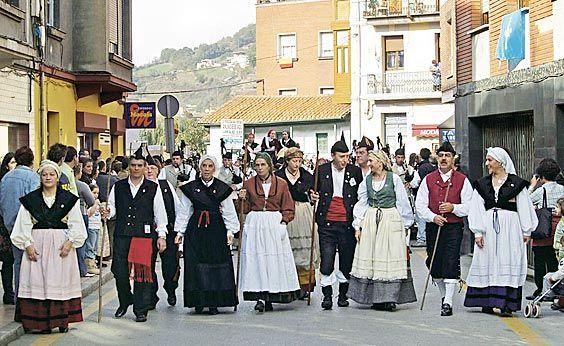 Procesión en la Fiesta de San Martín de Moreda