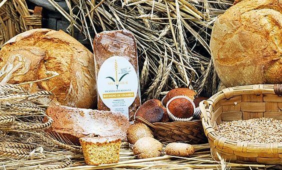 Bodegón de pan de escanda