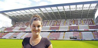 """Estefanía Suárez-Otero, autora de del libro """"Idioma Sportinguista"""""""