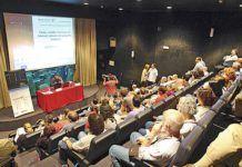 """Momento de la Conferencia SAT """"Cómo vender con éxito en Internet siendo una pequeña Empresa"""" por Ramón Puchades, celebrada en el Acuario de Gijón el pasado 25 de junio"""