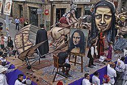 """La carroza ganadora en 2009, de la Peña Tutti's: """"Leonardo da Vinci"""""""