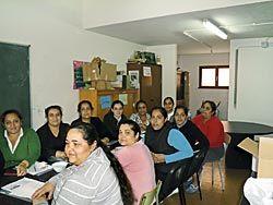 Mujeres de La Llosa en un taller de cuidado de imagen