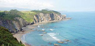 Playa Los Molinos, en Barcia (Valdés)
