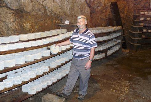 Rogelio López, productor de queso Cabrales y miembro del Consejo Regulador.