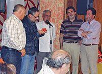 Radio Parpayuela hace entrega al Consorcio de la Montaña Central del Pin de Oro