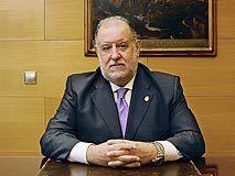 Enrique Valdés, Decano del Colegio de Abogados de Oviedo