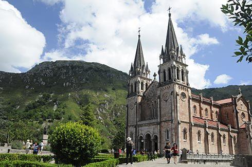 Basílica de Covadonga, Cangas de Onís