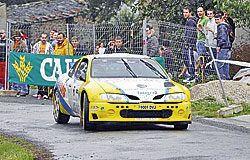 Coche participante en el Rally Sprint de Castropol.