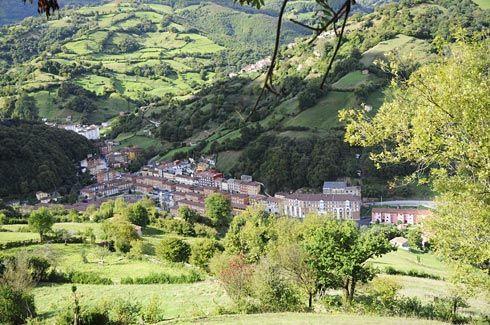 Vista de algunos pueblos del concejo de Riosa