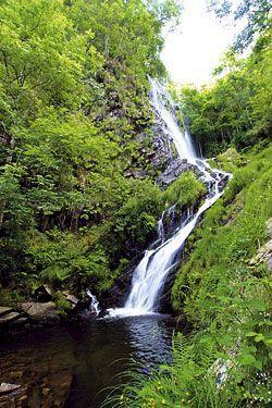 La Seimeira, una cascada emblemática en Santa Eulalia de Oscos.