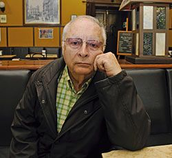 Víctor Alperi, escritor.