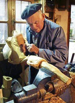 Carlos Aguilera. Artesano de la madera