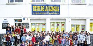 Alumnos del C.P.E.B. Aurelio Menéndez durante la Fiesta de las Lenguas.