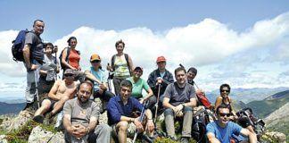 Miembros del G.M. Moscón en el Pico Tarambico (Somiedo)