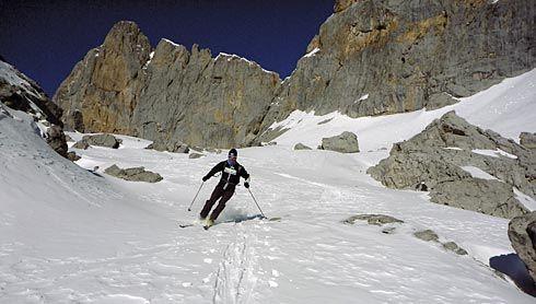 Carlos Villar entrenando en Horcados Rojos (Picos de Europa).
