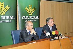 Antonio Romero y Enrique Fernández, subdirector general y director de marketing de Caja Rural de Asturias.