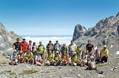 Miembros de La Chiruca en Horcados Rojos (Picos de Europa).