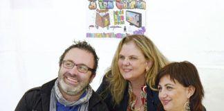 Ovidio Parades, Celestina Mastache, Concejala de Cultura de Navia, y Carmen Amoraga