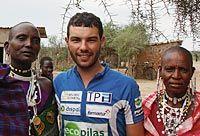 Juan Menéndez Granados en Tanzania en su expedición al Kilimanjaro.