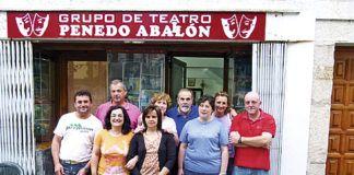 Parte de los componentes actuales del Grupo de Teatro Penedo Aballón de Boal.