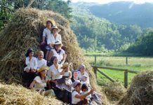 Comunidad Vecinal de San Tirso de Abres. Día de la Malla