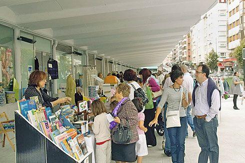 Feria organizada por la Asociación Comercio Local de Siero.
