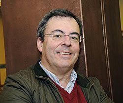 Óscar Rodríguez Buznego. Profesor de Ciencias Políticas en la Universidad de Oviedo