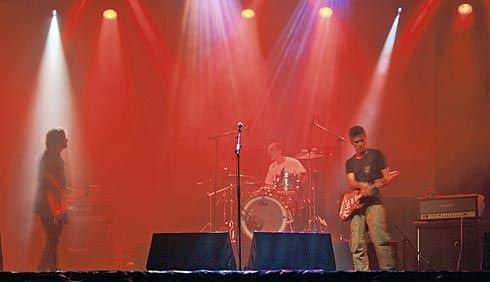 Sueños de Papel, grupo musical que recibió el premio AMAS de la música al Grupo Revelación