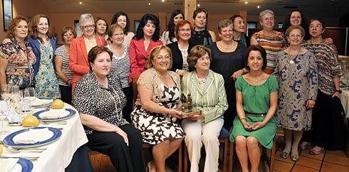 Club Guisanderas de Asturias. Entrega del Galardón Guisandera de Oro a Ymelda Moreno de Arteaga.