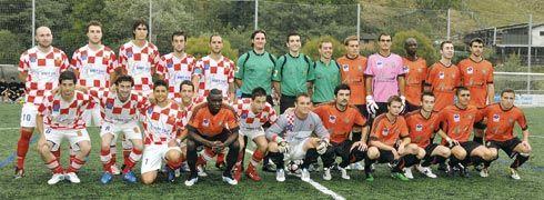 Derby futbolístico entre el Riosa y el Morcín.
