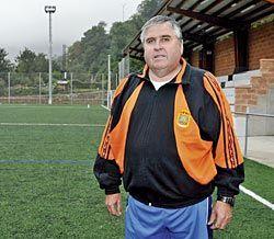 """José Manuel Vigil, conocido como """"Malcorne"""". Técnico del Club Deportivo Riosa."""