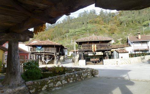 Hórreos en Bueño, Ribera de Arriba