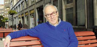 Alberto Polledo, escritor, y librero en Oviedo.