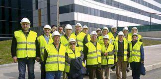 Miembros de la asociación en una visita al HUCA, Oviedo.