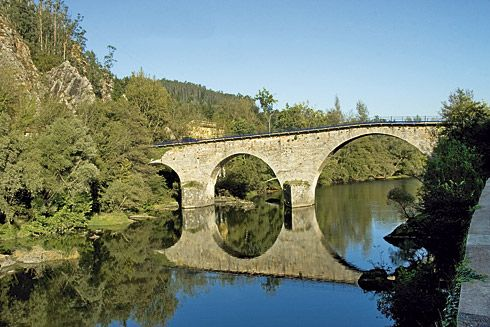 Puente de Peñaflor, Grado.