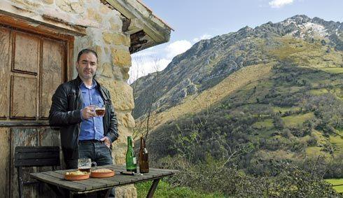 Entre los proyectos Leader se encuentra una productora de cerveza artesanal en El Vallín, Morcín. En la imagen el emprendedor Jorge Alvarez.
