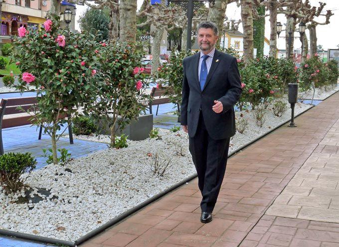 Ignacio Palacios, alcalde de Navia