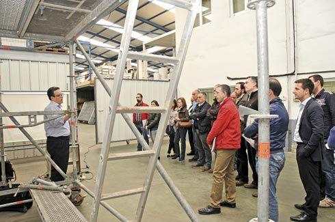 Demostración práctica de montaje de andamios, trabajos verticales y líneas de vida