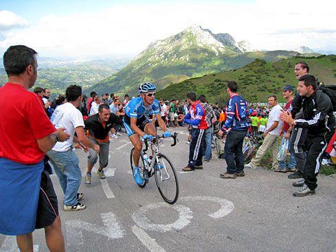 Vuelta Ciclista España. Subida al Angliru