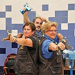Jorge Barril, Ana Boj y Fali Casasola, miembros del C.D. Amigos del Gomero.