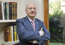 Carlos Villán Durán. Profesor de Derecho Internacional.