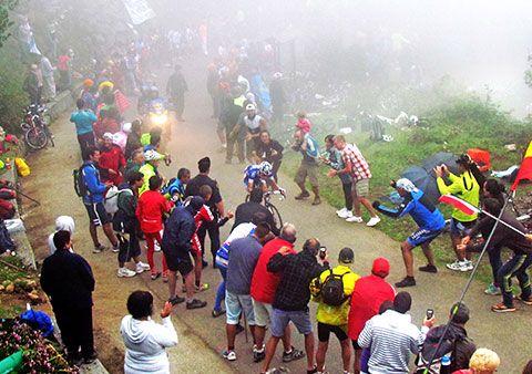 Kenny Elissonde, ganador de la etapa, encarando la Cueña Les Cabres.